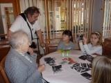 """Projekt """"Mezi námi"""" - setkávání dětí MŠ s obyvateli domova seniorů"""